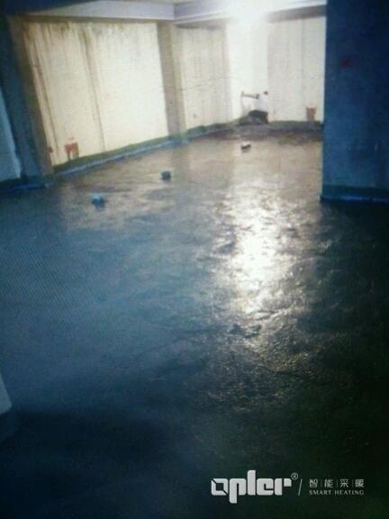 地暖采用湿法水泥找平